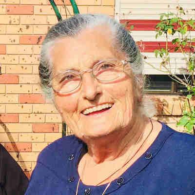 Camelia  Damdounis